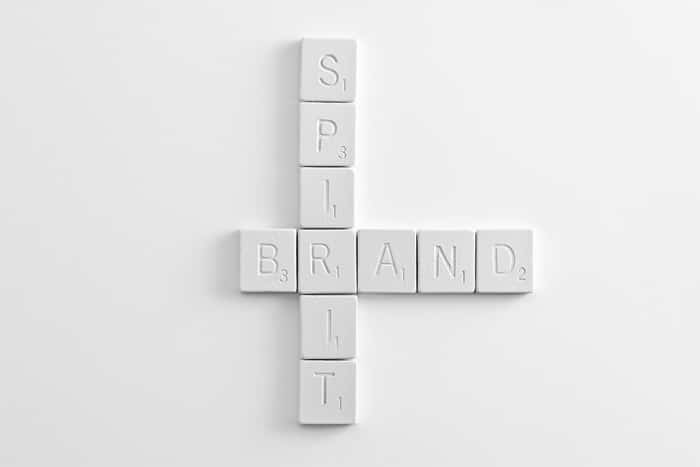 que-es-branding-y-rebranding-scrabble
